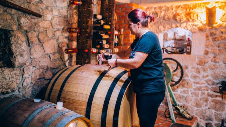 antunovic-winery-wine-tasting