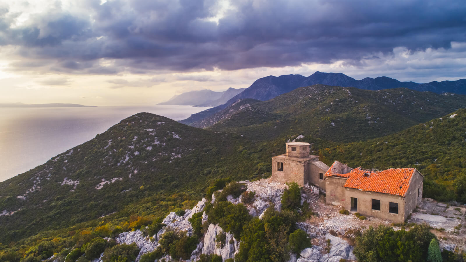abandoned-military-structure-near-ploce-in-croatia
