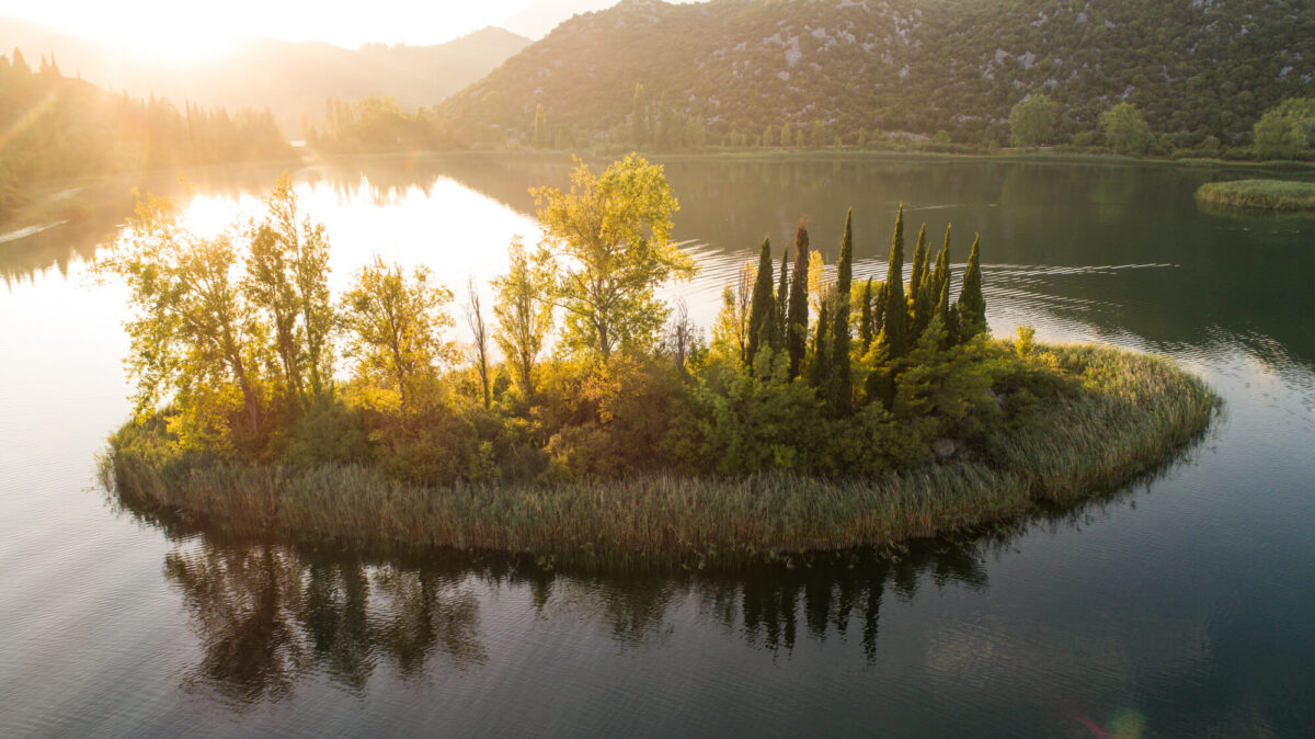 island_of_love_on_bacina_lakes