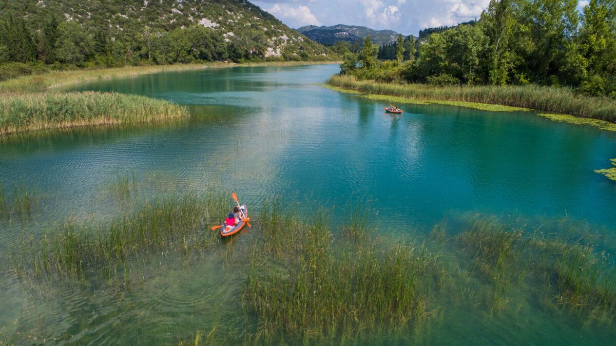 kayaking_on_bacina_lakes