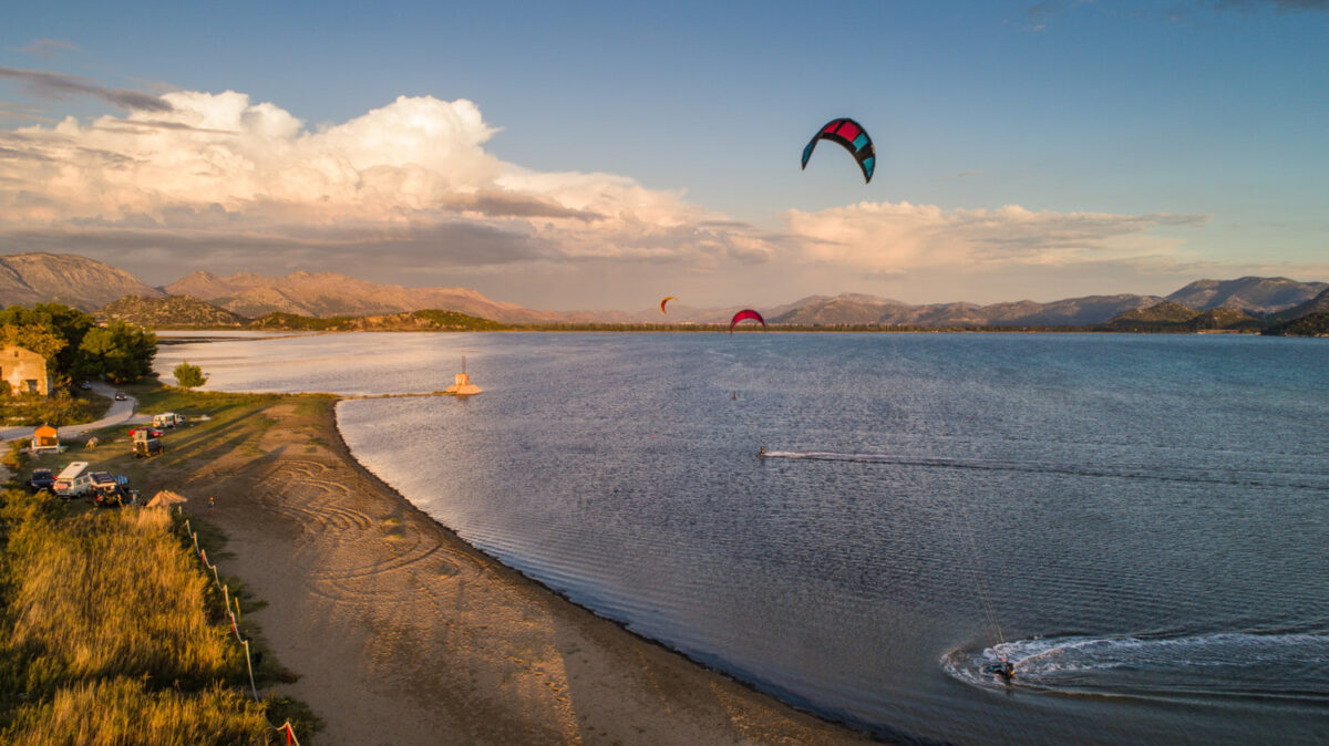 neretva kiteboarding in sunset